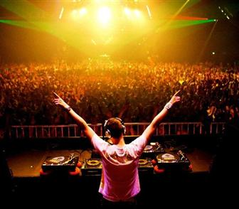 2527440_uncategorized-tiesto_1024x768-1